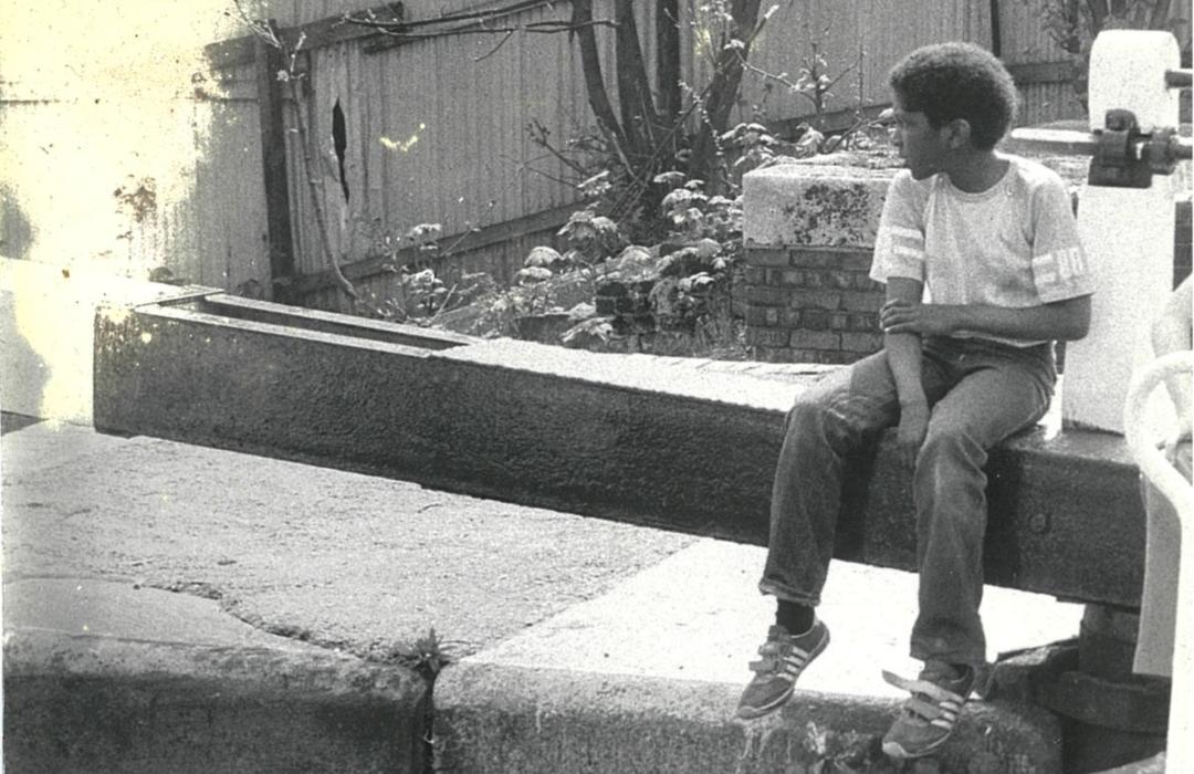 Child sat in Waterside